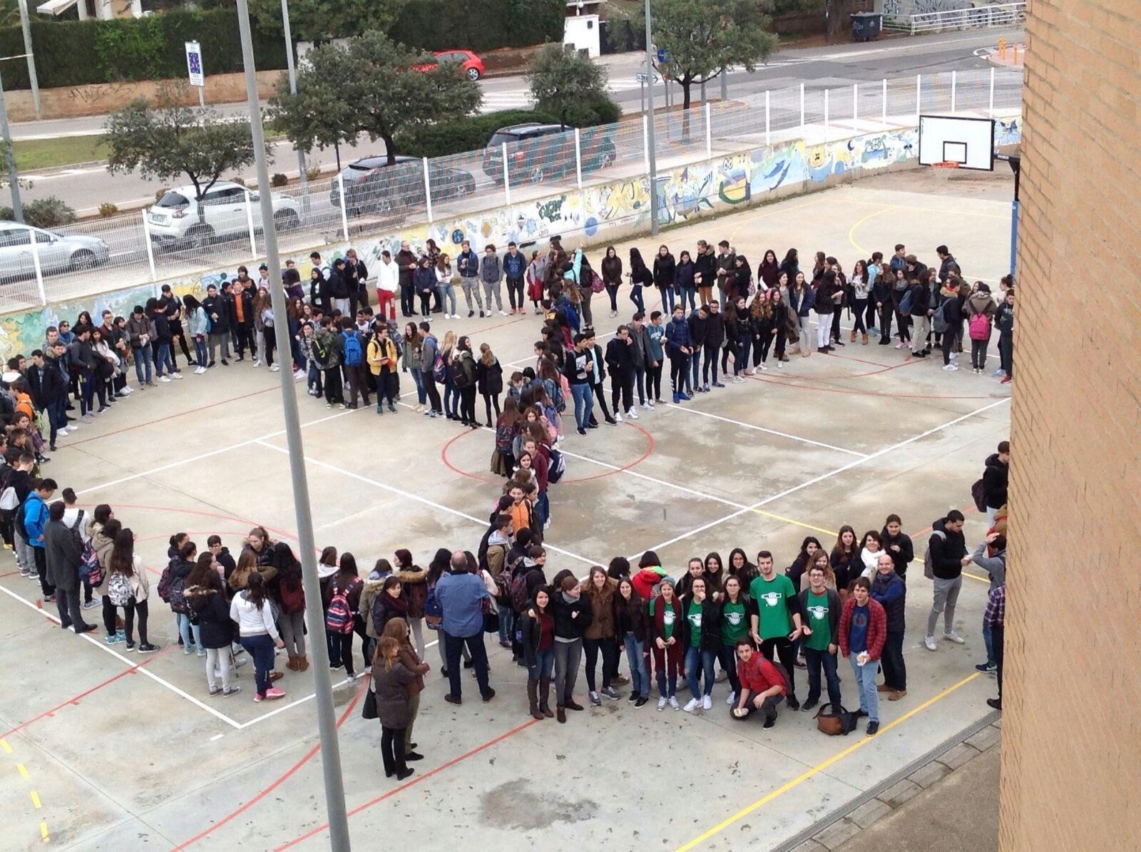 Els i les joves reivindiquen un món en pau el 30 de gener